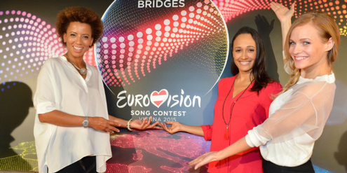Moderatorinnen des Song Contests: Arabella Kiesbauer, Alice Tumler und Mirjam Weichselbraun (v. l.).