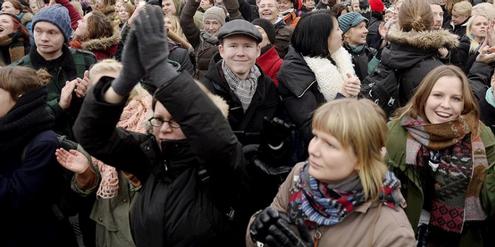 Der Entscheid für die gleichgeschlechtliche Ehe löste vor dem Parlament Applaus aus.