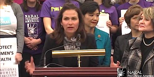 Ilyse Hogue und Mitglieder des US-Parlamentes, die das Recht auf Abtreibung verteidigen.