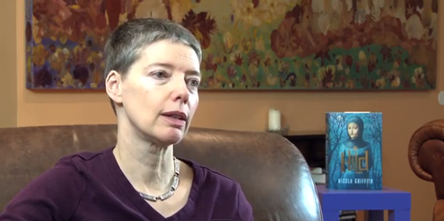 Autorin Nicola Griffith kritisiert die Vergabe von Literaturpreisen.