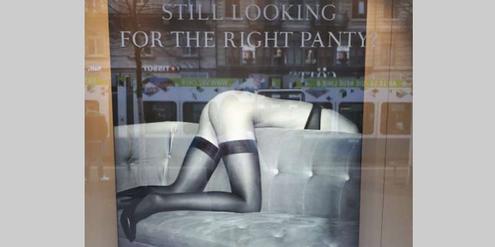 Dieses Beldona-Plakat soll eine Alltagssituation von Frauen zeigen.