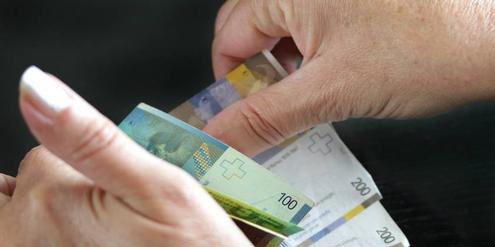 In der Schweiz ist die unbezahlte Arbeit 408 Milliarden Franken (460 Millionen Euro) wert.