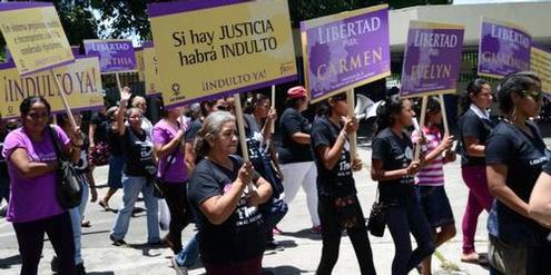 Freiheit für Frauen, die nach Fehlgeburten jahrelange Haftstrafen verbüssen, fordern Aktivistinnen.