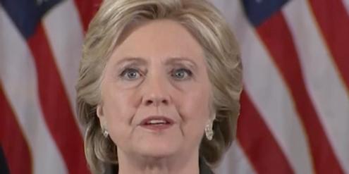 Hillary Clinton appelliert nach ihrer Niederlage an die Frauen, weiter zu kämpfen.