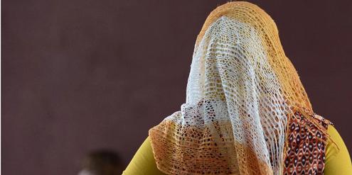 Frankreich darf Staatsangestellten das Kopftuch verbieten.