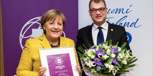 Angela Merkel und Juha Sipilä anlässlich der Verleihung des «International Equality Award».