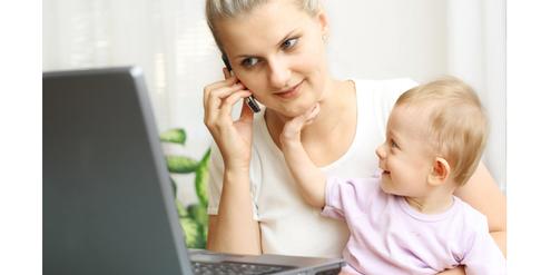 Alleinerziehende erhalten länger Anspruch auf Unterhaltsvorschuss für das Kind.