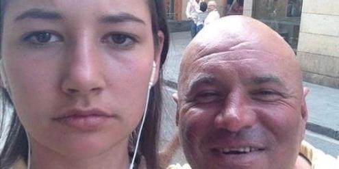 Noa Jansma aus Amsterdam hat Selfies mit Belästigern gemacht und danach gepostet.