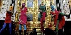 Wegen dieses Auftritts in einer Kathedrale mussten drei «Pussy Riot»-Aktivistinnen ins Gefängnis.