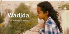 Das saudische Mädchen träumt von einem grünen Velo