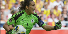 Weltfussballerin Nadine Angerer gehört zu den Klägerinnen gegen die Fifa.