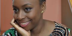 Chimamanda Ngozi Adichie gibt Tipps für die Erziehung von Töchtern zu selbstbestimmten Frauen.