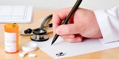 Ärzte verschreiben Frauen bei Infektionskrankheiten häufiger Antibiotika als Männern.
