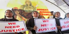 Nonnen forderten öffentlich die Verhaftung des Bischofs.