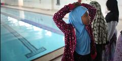 Schwimmunterricht nur für Mädchen ist in Dänemark umstritten.