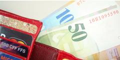 Der geschiedenen Mutter bleibt mehr Geld im Portemonnaie, weil sie weniger Steuern zahlen muss.