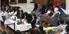 Während der Gerichtsverhandlung verhüllten die meisten Zeuginnen ihr Gesicht.