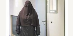 Diese Zeugin durfte vor Gericht aussagen, ohne die Burka auszuziehen. (cc)